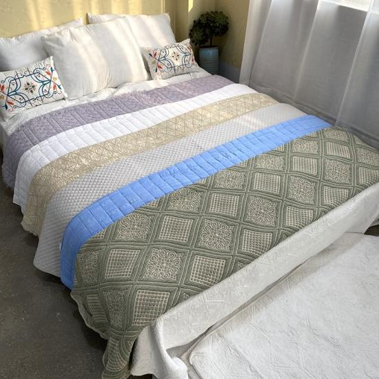 stone washed embroidered quilt set